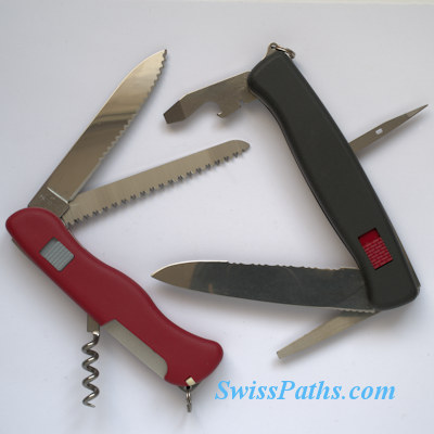 Victorinox Lockblade Knife and Wenger Ranger 38-36. Инструменты открыты.